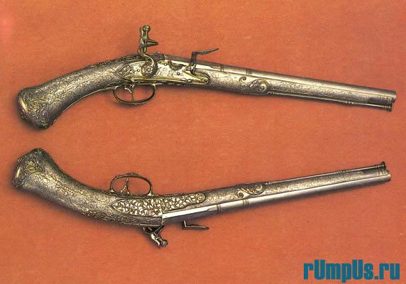 Пистолеты с кремневыми замками  Франция. Париж. 1685—1725 гг.