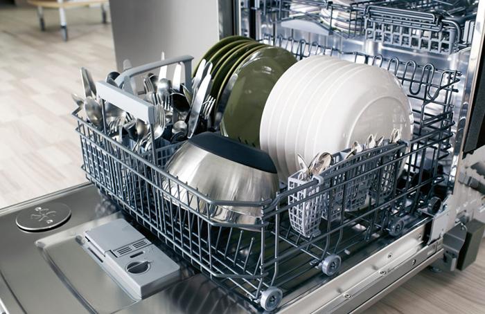 Как загружать посудомоечную машину