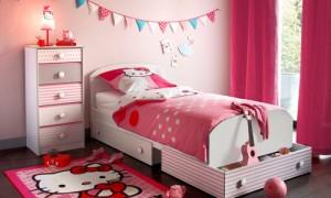 Розовые шторы для детской спальни