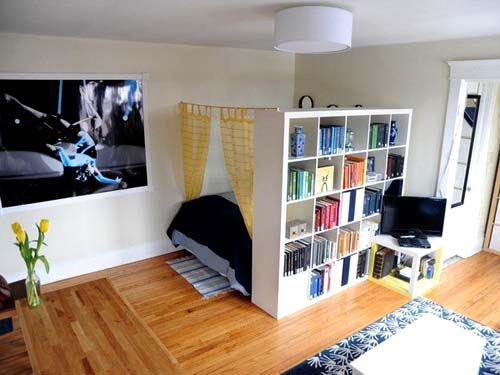 Рабочая зона квартиры-студии