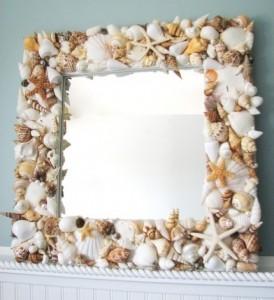 Зеркало из ракушек и камней