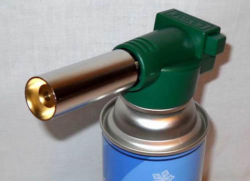 Как работать с газовой горелкой