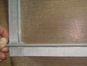 Изготовление москитной сетки для двери своими руками