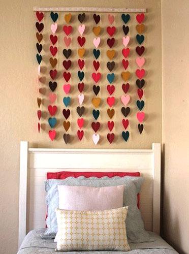 Гирлянда разноцветных сердечек