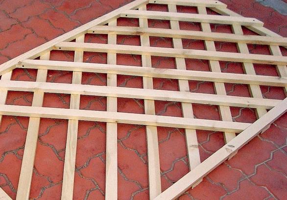 Решетчатый или шпалерный забор