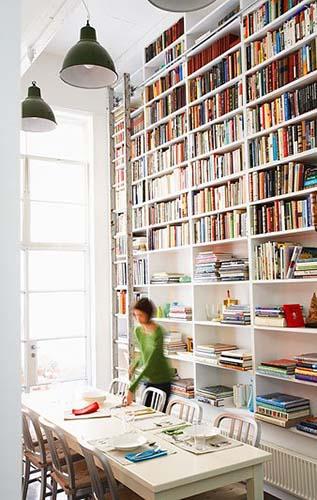 Biblioteka v dome10