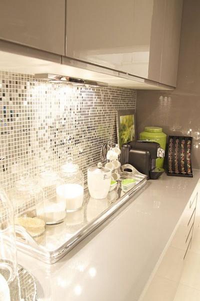 Зеркальная плитка для кухни