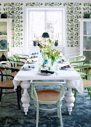 Зелено-синяя гостиница